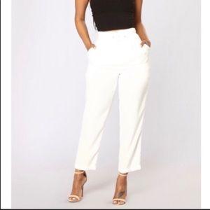 👖Fashionnova White Pants